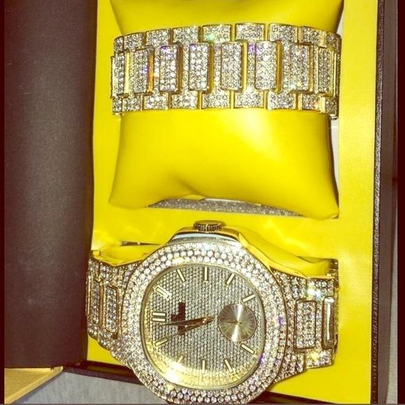 48ff28f357ec0 Designer Iced Out Mens Gold Watch Bracelet Set NEW NWT